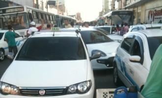 INSEGURANÇA : Taxistas protestam nas ruas
