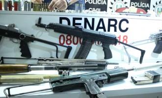 Polícia Civil estoura paiol de armas do tráfico