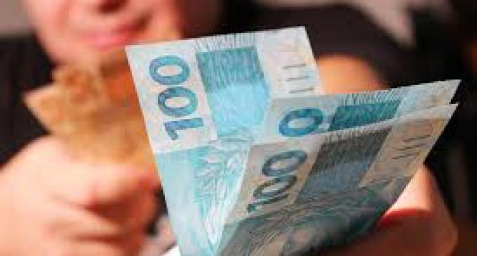 EMENDA : Vereador propõe extinção de CCS com altos salários