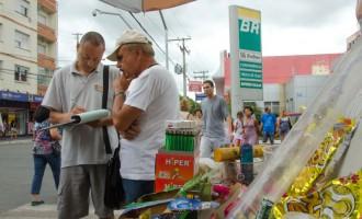 Intensificada fiscalização de ambulantes no Calçadão