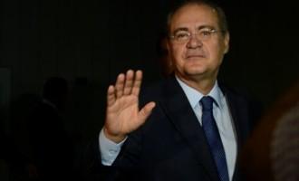 Ministro do STF afasta Renan Calheiros