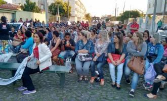 SAÚDE : Trabalhadores aprovam indicativo de greve