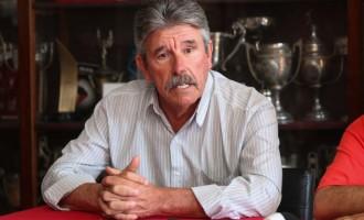Claudio Montanelli segue como vice-presidente de futebol