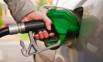 Após protestos, Petrobras anuncia queda nos preços da gasolina e do diesel