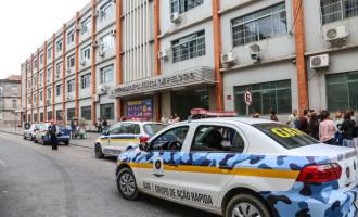 Três estabelecimentos são interditados em frente à UCPel