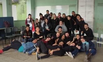 PIBID TEATRO : Cenas de Shakespeare nas escolas