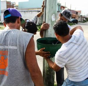 Apenados do Regime Fechado do Presídio Regional de Pelotas (PRP) produzem artesanalmente os artigos fabricados com pneus reciclados.