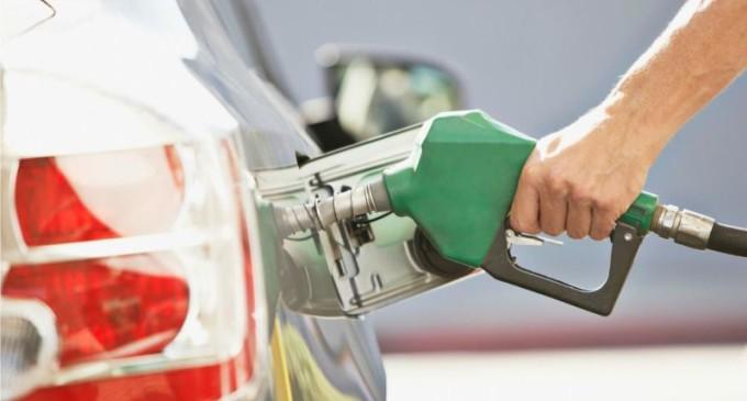 Média do litro da gasolina é de R$ 4,357 em novembro