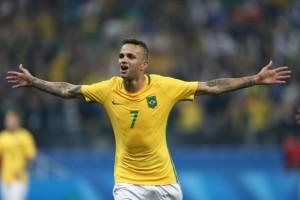 Luan – em grande fase no Grêmio – é chamado por Tite para dois jogos do Brasil pelas Eliminatórias