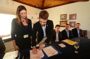 Contrato com a Empresa, que desenvolve trabalhos para a Gestão Pública foi assina em 2013 pelo ex-prefeito Eduardo Leite