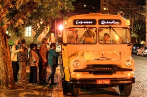 EXPRESSO Quindim transporta os  grupos Foto: Gustavo Vara