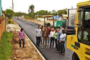 O segundo trecho em obras na Ildefonso possui 440 metros de extensão – do Corredor Um à avenida Alfredo Theodoro Born (Estrada dos Maricás). A pavimentação com asfalto novo está em andamento.