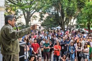 29.11.2017 - Ex-governador Olivio Dutra em Pelotas no evento do Centro Acadêmico Ferreira Vianna do curso de Direito da Ufpel