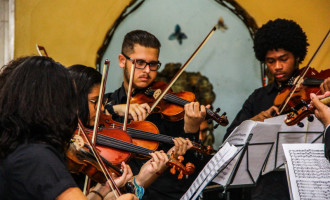 Orquestra de Câmara do Sesc/MG encanta público na Rodoviária