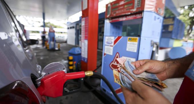 Preço da gasolina em Pelotas varia de R$4,49 a R$4,94