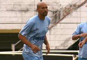 Carlão Moraes se destaca pela força de marcação e liderança