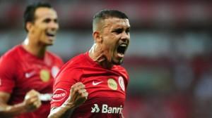 Pottker faz dois e Inter goleia Zequinha por 4 a 0 no Beira-Rio