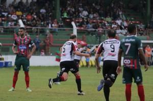 Leandro Leite (5) marca seu segundo gol com a camisa do Brasil: abriu o caminho para vitória na Linha do Parque Foto: Jonathan Silva/Assessoria GEB