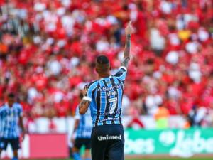 Luan decidiu o Gre-Nal no primeiro tempo: Grêmio se classifica e vira favorito para o duelo das quartas de final