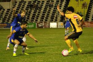 Paulo Porto admite oscilação do time: rotina durante o Acesso