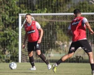 Leandro Camilo é um dos três titulares que devem permanecer em 2019