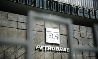 Ações da Petrobras têm queda de quase 14% na Bovespa