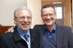JORNALISTA Hélio Freitag, diretor do DIÁRIO DA MANHÃ com seu conterrâneo Beto Albuquerque FOTO: HFJ/DM