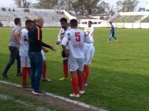 Toninho muda escalação cedo na partida, equipe acorda e busca empate diante do Aimoré Foto: Gustavo Passos Lapischies/AI GAF
