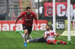 Rafinha brilhou no ano passado contra o CRB no Bento Freitas: fez os dois gols na vitória por 2 a 0 Foto: Assessoria GEB