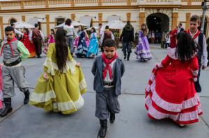 SHOWS e danças no Largo do Mercado