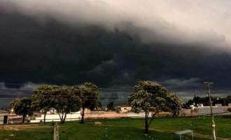 PREVISÃO DO TEMPO : Tempestades severas com rajadas de mais de 100 km/h na quarta-feira