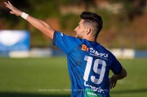 Brandão marca gol do Aimoré, decretando a outra derrota do Farrapo Foto: Índio Capilé/Divulgação