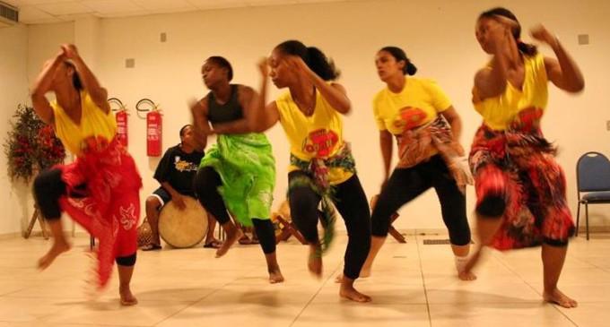 DANÇA AFRO : Seminário sobre práticas de ensino acontece no Colégio Pelotense