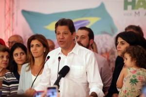 Em tom firme, Haddad discursou por cerca de dez minutos e garantiu que se manterá na oposição