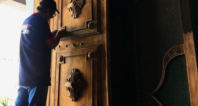 Portas da Catedral São Francisco de Paula revelam detalhes históricos