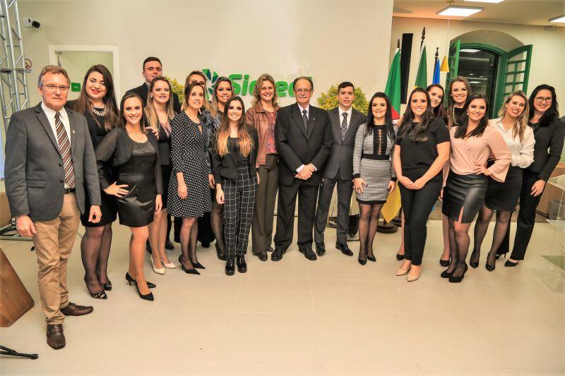 PREFEITA Paula Mascarenhas e o vice-prefeito Idemar Barz, participaram da inauguração, que também teve a presença do presidente do Sicredi Zona Sul, Nilson Loeck