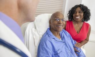 Novembro Azul completa oito anos de mobilizações voltadas para a prevenção do câncer de próstata