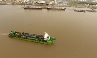 Meio milhão de metros cúbicos dragados do Porto de Rio Grande