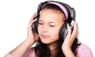 Zumbido em adolescentes pode ser sintoma de perda auditiva