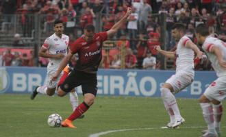 META PESSOAL : Wallace Pernambucano apresenta bom rendimento no time xavante