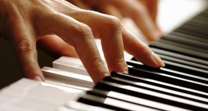 Recital de jovens pianistas arrecadará brinquedos