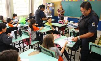 Programa da Guarda Municipal conscientiza alunos sobre a manutenção de uma cultura de paz