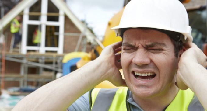 Perda auditiva por exposição a ruído é um dos maiores riscos no trabalho