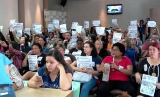 SERVIDORES DA EDUCAÇÃO : Câmara rejeita projeto de Paula