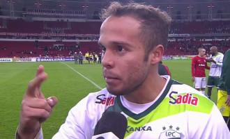 DOUGLAS BAGGIO CONFIRMADO : Brasil oficializa acerto com atacante – oitavo contratado para 2019
