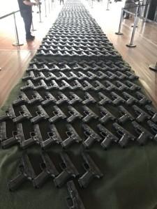 Pistolas Glock adquiridas recentemente pela Brigada
