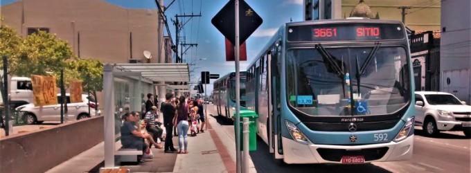 """TRANSPORTE COLETIVO : Trabalhadores urbanos """"indicam"""" greve"""
