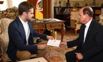 SAÚDE AOS MUNICÍPIOS : Governador quer normalizar repasses