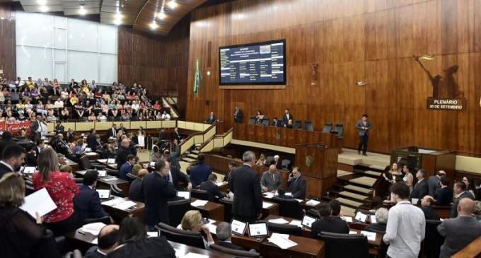 Assembleia aprova projeto que altera estrutura administrativa do Estado