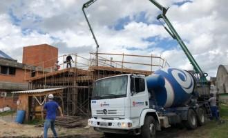 Secretário de Obras vistoria construção do módulo escolar do Case Pelotas